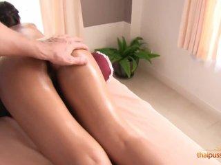 Dara gets creampie bonus to skilled massage